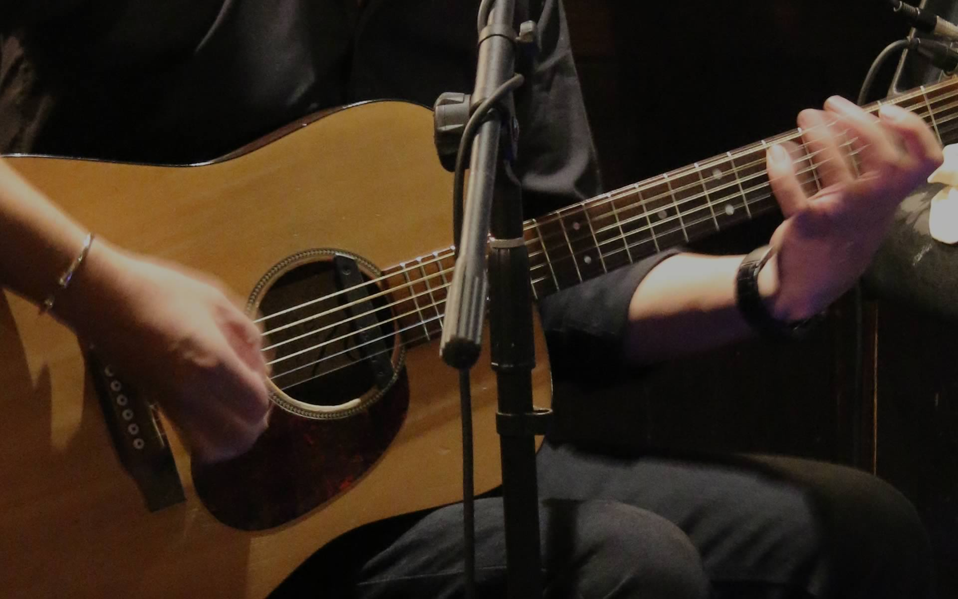 LIVE MUSIC AT THE OXTON BAR & KITCHEN